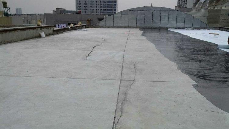 楼顶漏水4.jpg